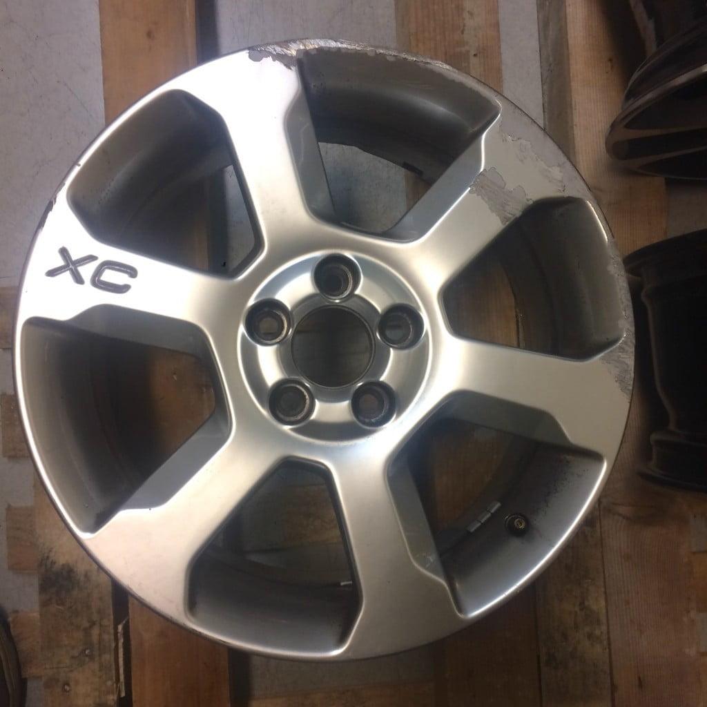 Rigenerazione cerchio Volvo XC con verniciatura Brimetal